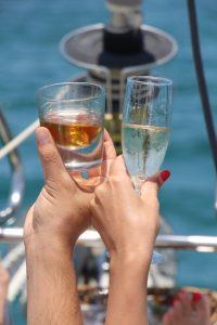הפלגה רומנטית, יאכטה Sea View, השכרת יאכטה לשייט רומנטי